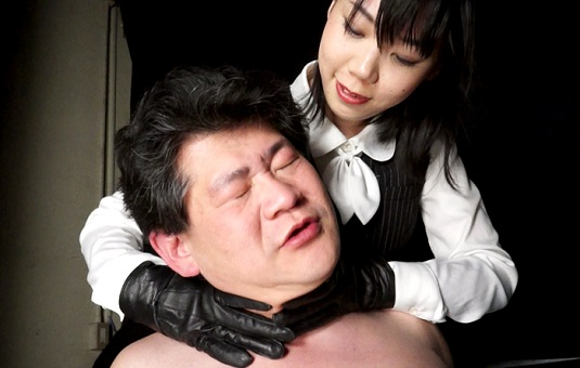 黒革手袋の怨女 復讐の首絞め淫辱制裁 1 美人OL弥生若葉