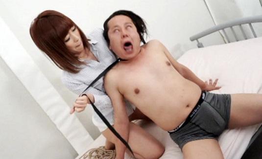 清純美女の姫沢ゆうき お嬢様がM男を首絞め痴女る!