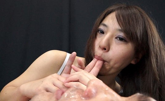 絡み合うフェティッシュ唾液女-北井梓-
