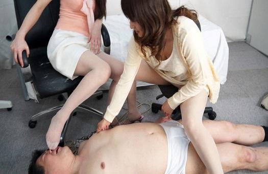 おっぱい舐めセクハラクリニックを開業したけど、患者さんにお仕置きされM男になったボク
