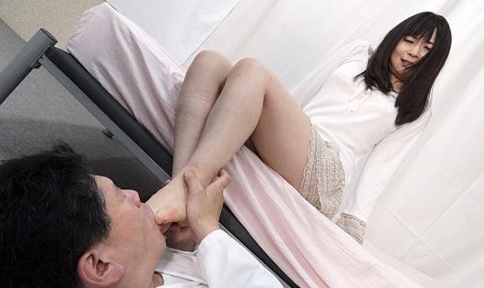 変態ドクターの足舐めクリニック 私の治療は大好きな足舐め臭い嗅ぎオンリー