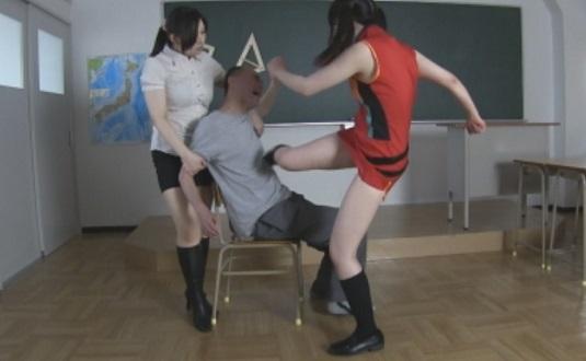 スパルタ猛顔騎リンチ 保護者を始末する残虐ビンタ女教師