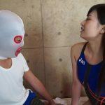 男女が競泳水着の上から布越し愛撫、貴方も自宅で実践してみませんか?